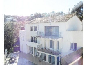 Begur, Costa Brava Investment opportunity to buy a block of three apartments close to the centre of the village.